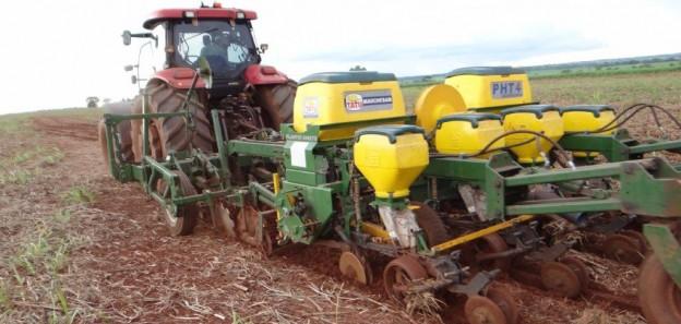 Crédito Marco Martins - O equipamento substitui cerca de cinco operações que ainda são necessárias para quem faz preparo convencional de solo