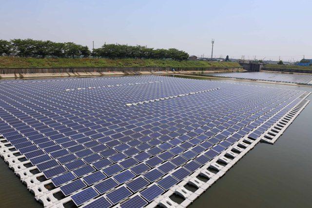 Flutuadores solares prontos para produzir energia - Crédito Sunlution